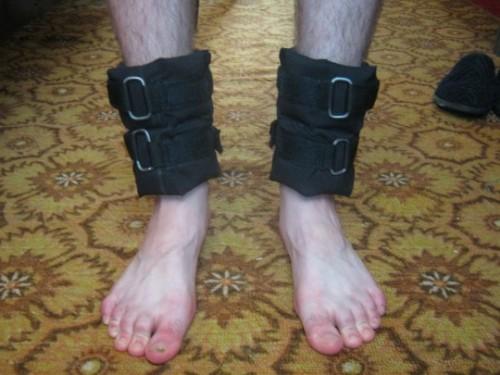 Утяжелители для ног сделать своими руками