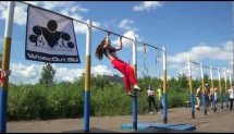 Выступление девушки на Street Workout Yaroslavl 2012