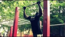 Andy (Bar-barians) - training on the horizontal bar