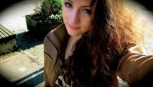 Girl calisthenics home workout - Niki trailer HD