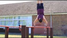 Calisthenics - Pull Up Bar Handstands and Freestyles (Street Workout)