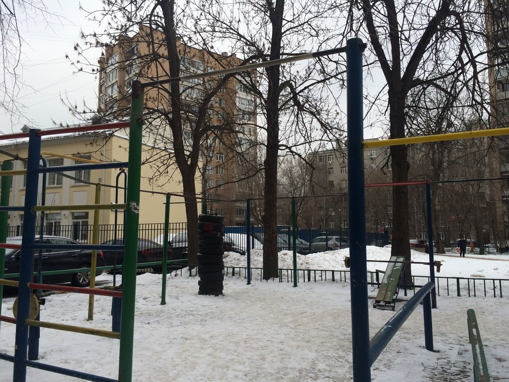 Уничтожена спортивная площадка